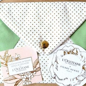 L'Occitane Cosmetic Bag and Blotter Cards